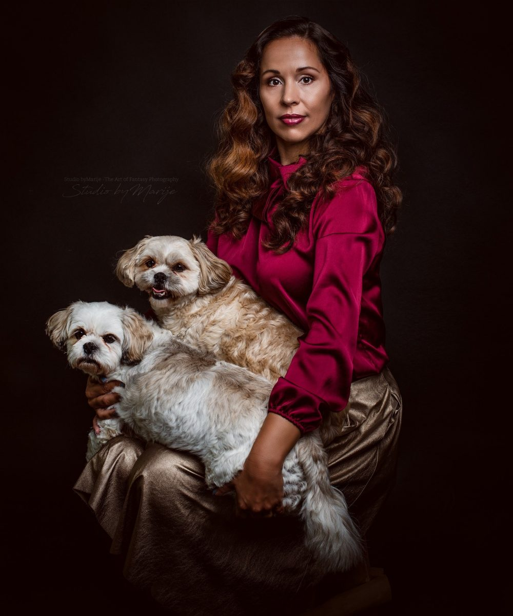 Royal Pets Portrait - Martina